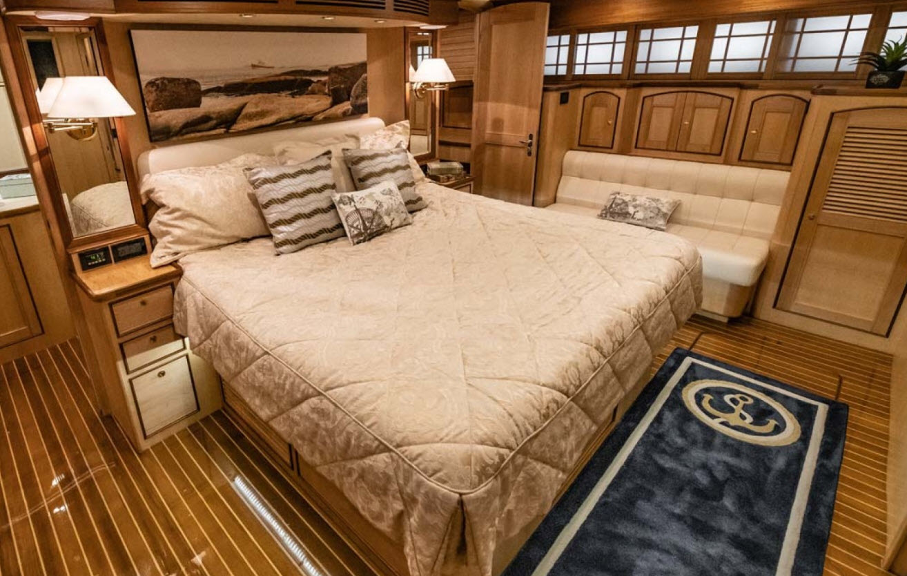 Master Suite on Marlow 66 Last Foot II