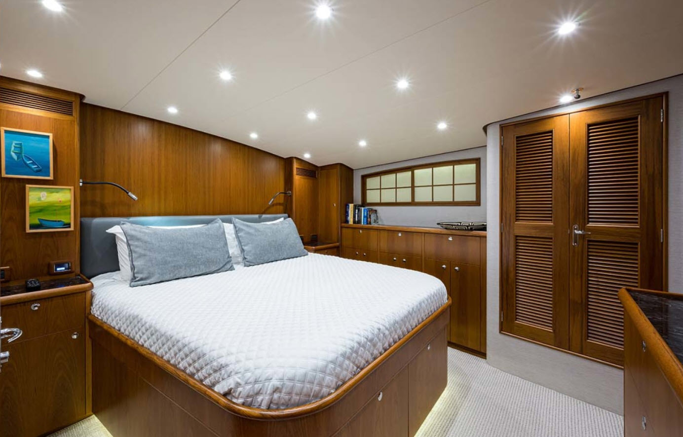 Master Stateroom On No Agenda Rybovich 73