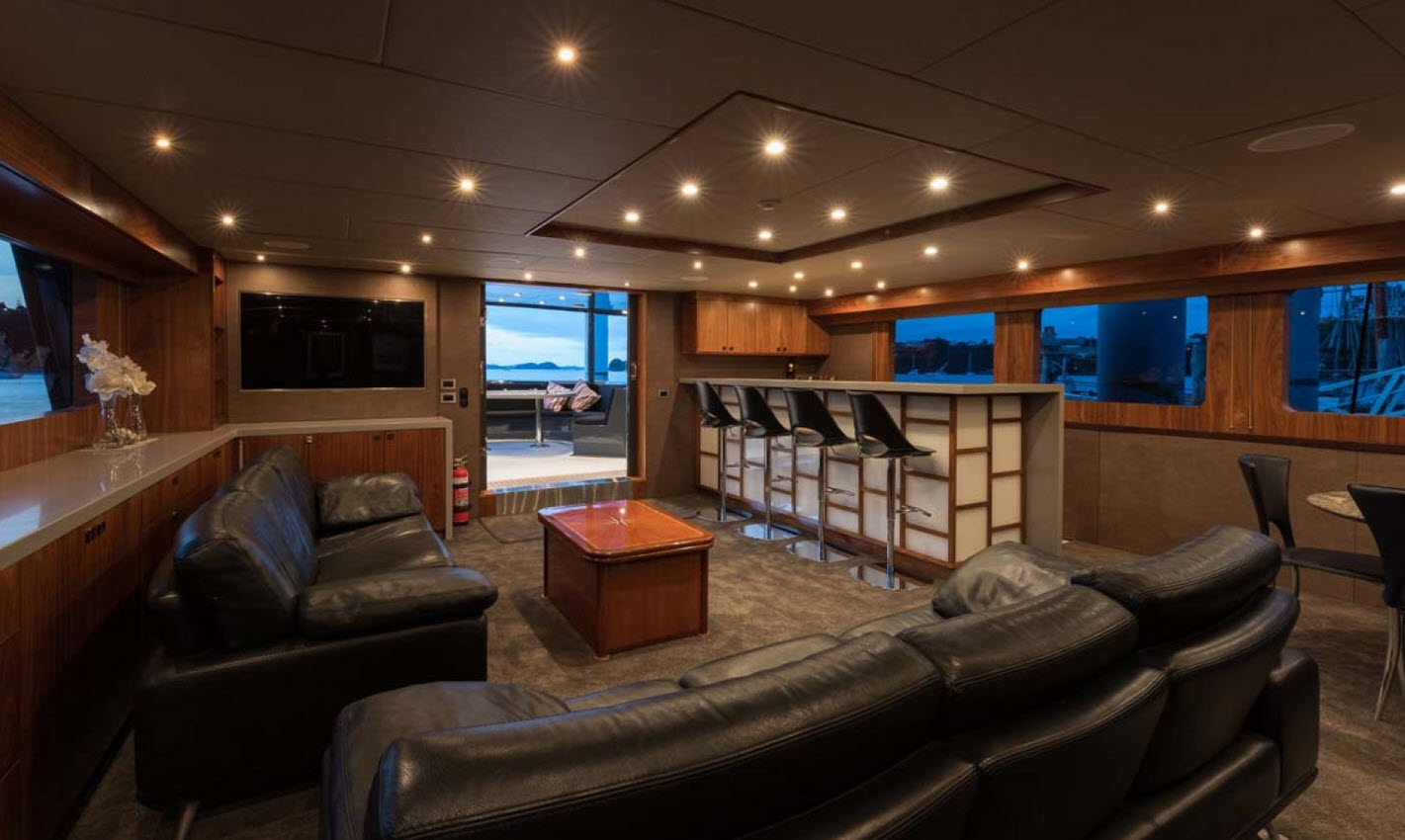 Pacific HQ Motor Yacht Salon