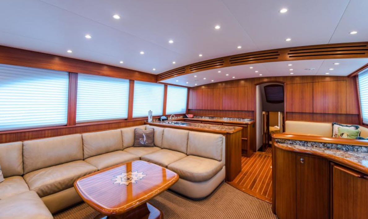 Salon on Willis Yachts 76