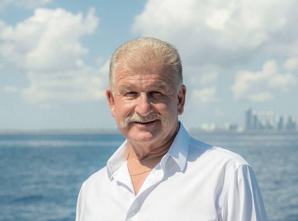 photo of John Blumenthal, Professional Yacht Broker
