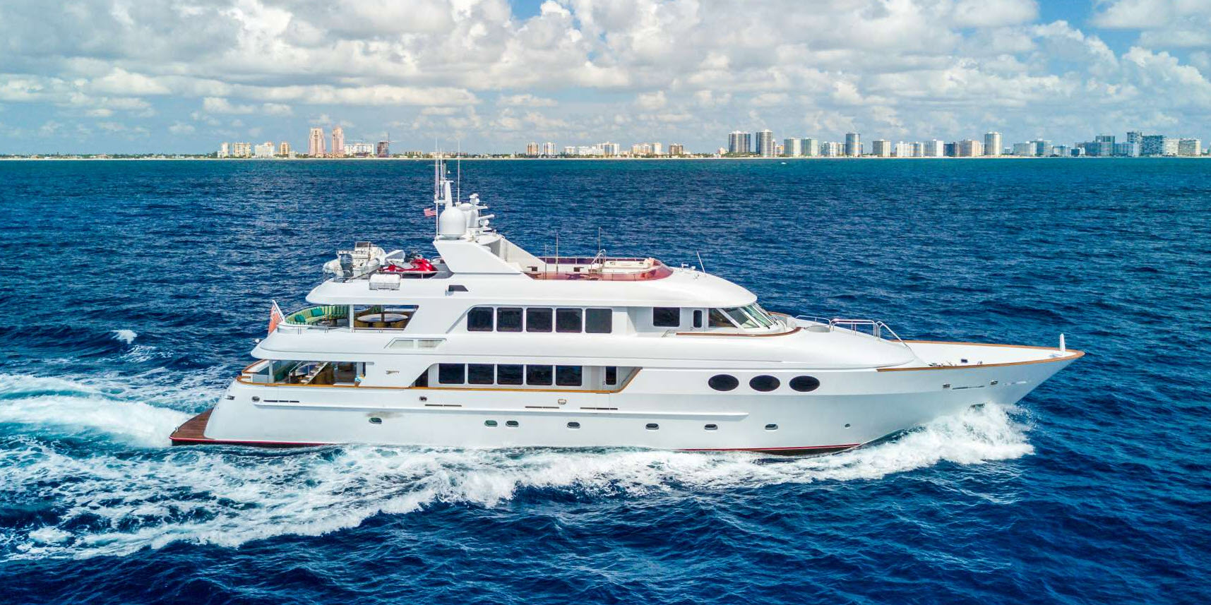 used-broward-yachts-for-sale-header