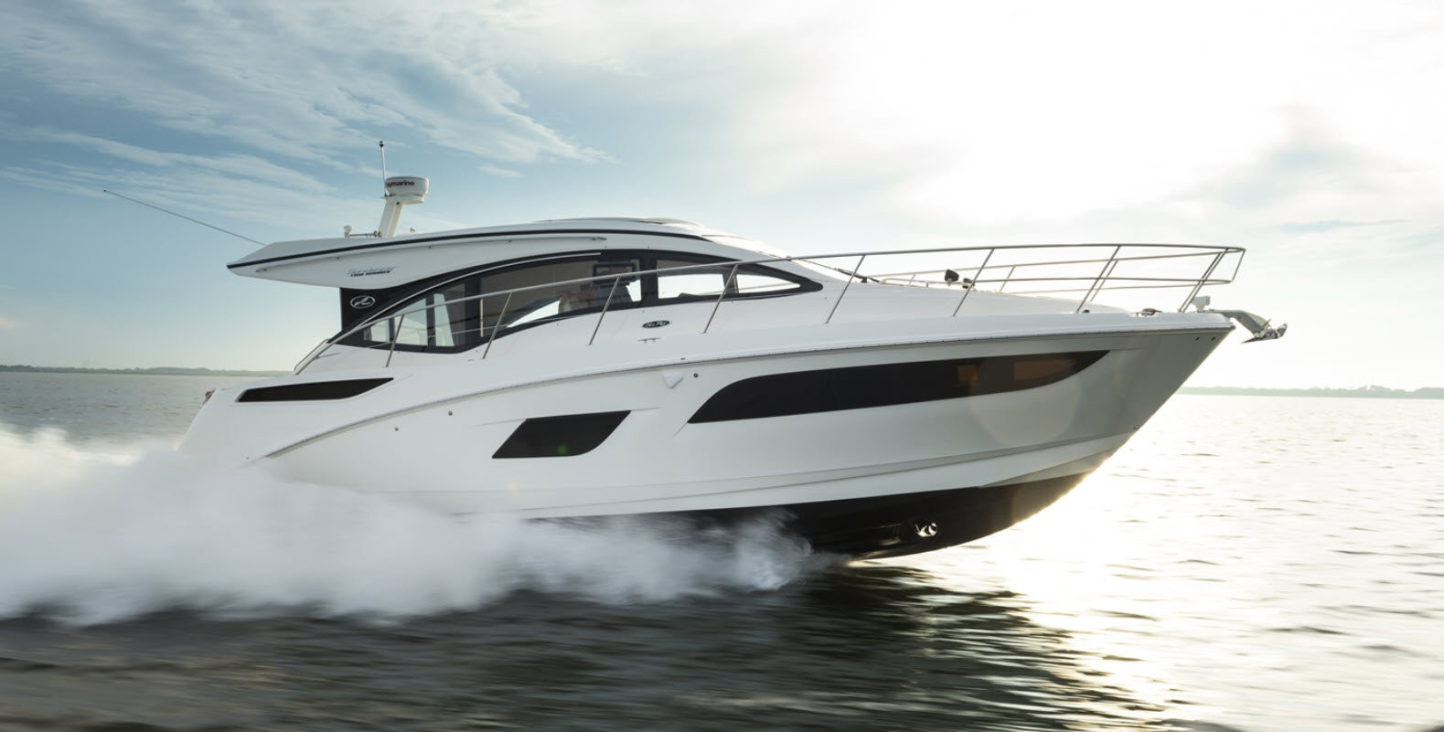 Used_Sea_Ray_Yacht_For_Sale_Header1