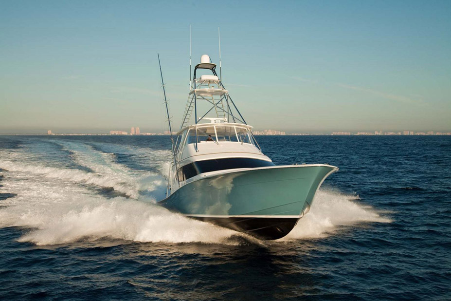 photo of Hatteras Yachts GT70