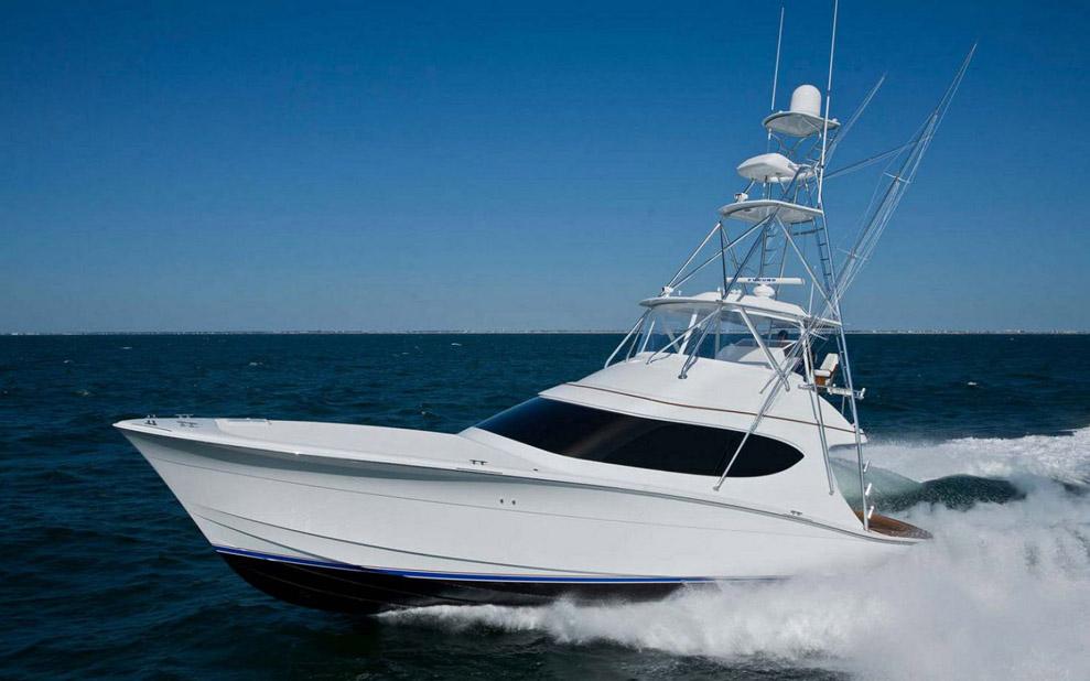 Hatteras GT 54 Convertible Yacht Running