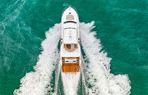 photo of dyna 68 cruising through water