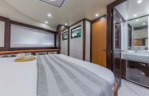 photo of dyna 68 motor yacht for sale bedroom