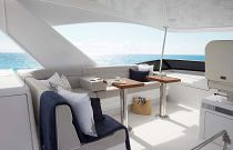 photo of Hatteras M60 Flybridge seating