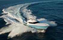 photo of Hatteras GT70 Turning