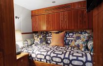 photo of Hatteras GT70 Bed