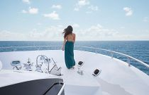 Hatteras 100 Motor Yacht Bow