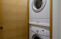 Hatteras GT54 Washer Dryer