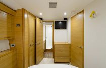 Hatteras GT54 Interior