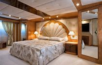 photo of Amer Yachts 100 master bedroom